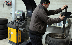 Auto Center Boite - Maulde - Services Pneus